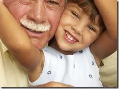 abuelos y niños