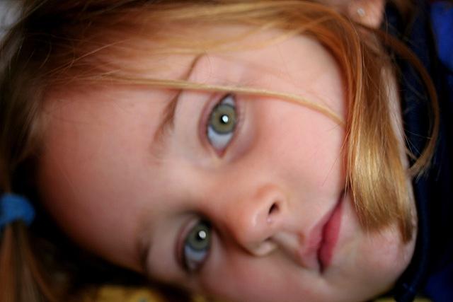 Por qué tenemos los ojos de distintos colores? | En Clave de Niños