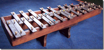 Glockenspiel-con-fondo-azul