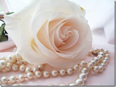 rosa y perlas